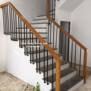 cầu thang sắt tại vinhomes
