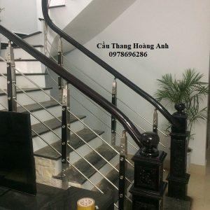 cầu thang inox sơn màu nâu gụ