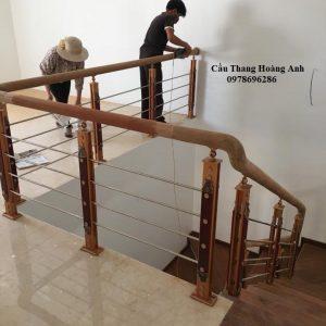 Cầu thang inox chân hợp kim