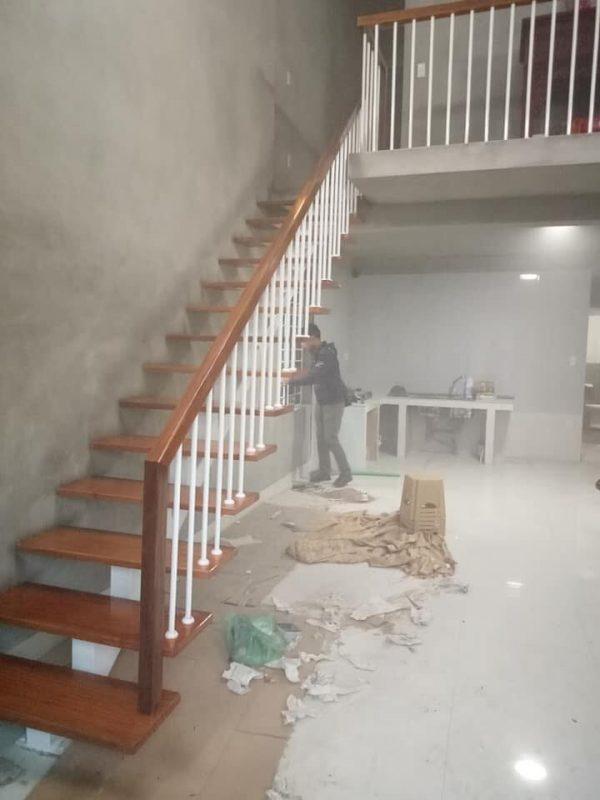 cầu thang xương cá cho nhà diện tích nhỏ