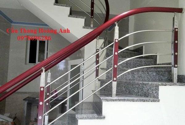 cầu thang inox tay nhựa