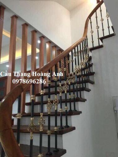 cầu thang sắt xoắn kép đơn giản ,hiện đại