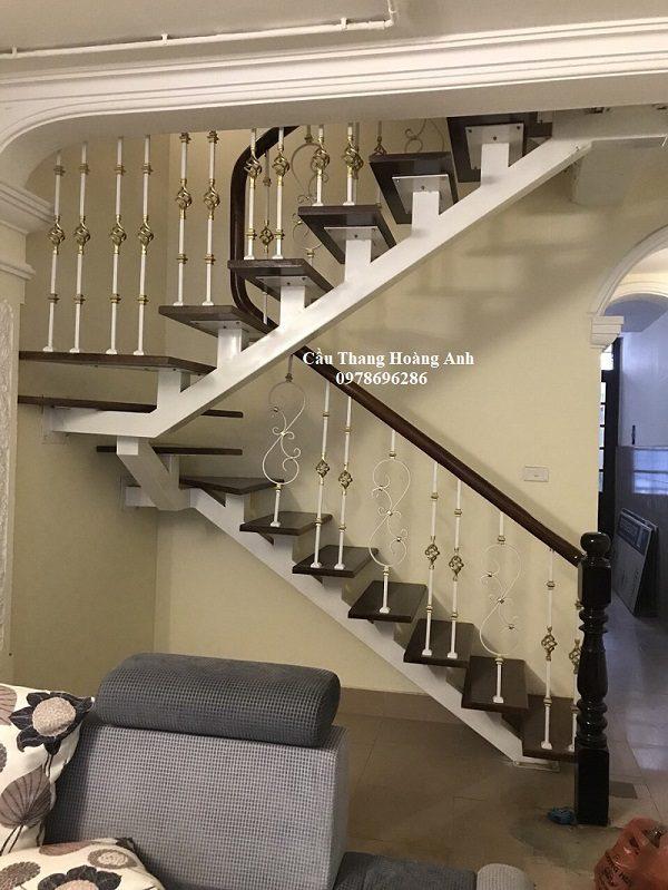 cầu thang xương cá tay vịn sắt nghệ thuật