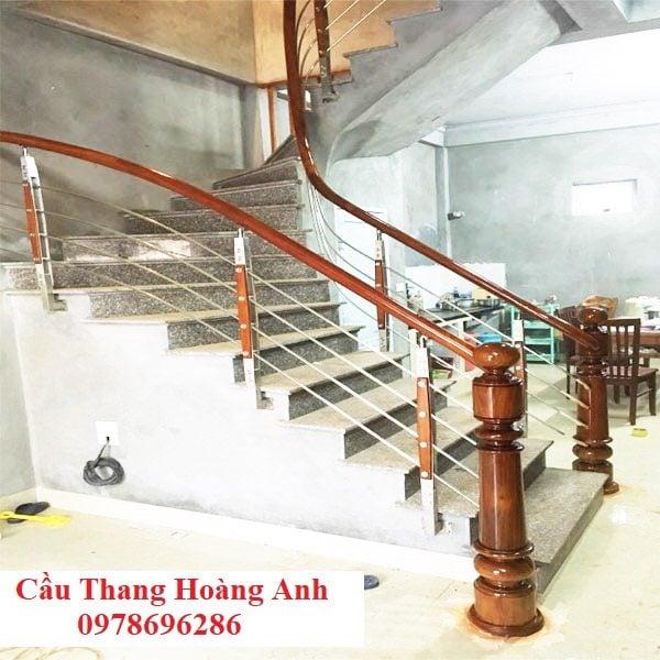 cầu thang inox tay vịn gỗ 07
