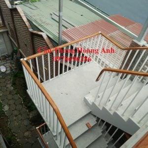 Cầu thang sắt tay vịn nhựa tại bắc ninh