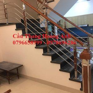 Cầu thang inox tay vịn nhựa thi công tại Hà Đông