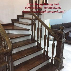 Thi công cầu thang gỗ tại Giáp Bát
